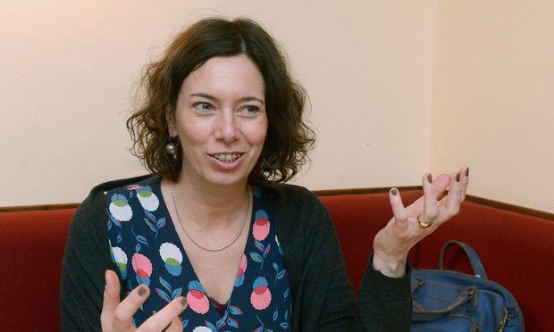 INTERVIEW MIT EVA MENASSE
