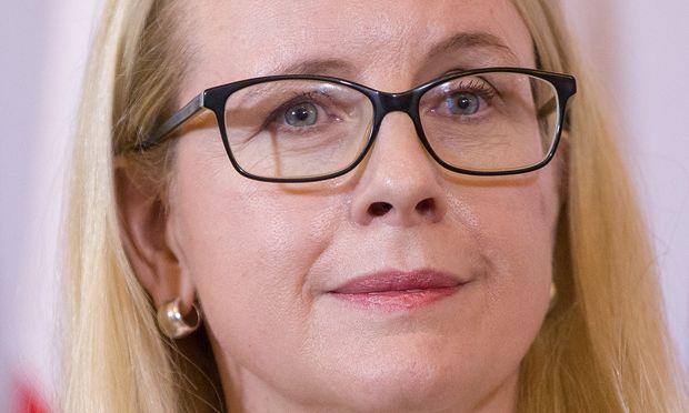 Margarete Schramböck.