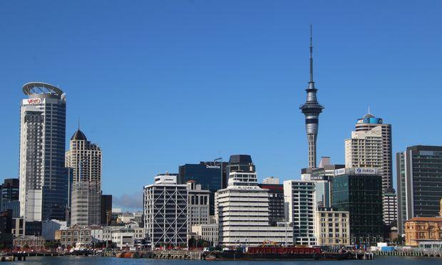 Geschäftig. Aucklands Skyline wächst und wächst, so wie die Wirtschaft des Landes.