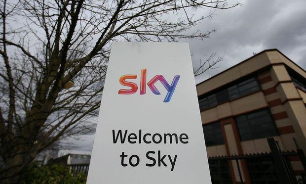 FILES-BRITAIN-US-MEDIA-TELEVISION-TAKEOVER-SKY-FOX-COMCAST