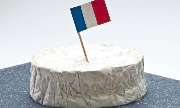 Camembert Käse.
