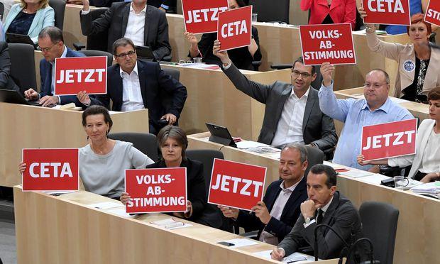 SPÖ hat es sich anders überlegt: Abgeordnete der Sozialdemokraten fordern Volksabstimmung zu Ceta.