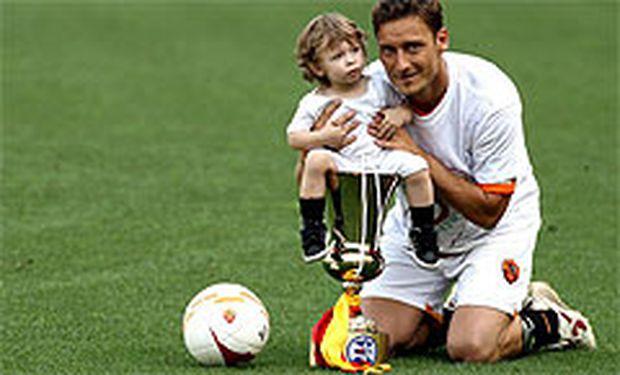 Totti mit seinem Sohn Cristian.
