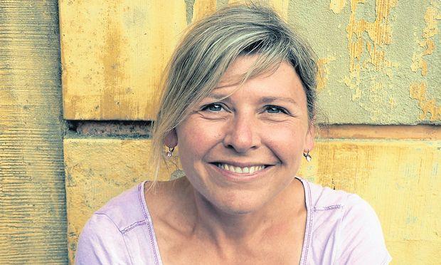 Krimiautorin Monika Geier ist eine heitere Erzählerin, gemütlich wird es bei ihr aber nie.