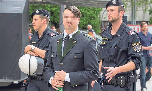 Ein Demonstrant bei einer Pegida-Demo in Graz am vergangenen Samstag.