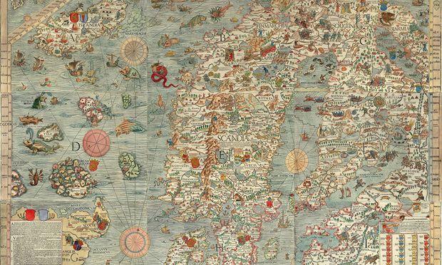 Eine Welt voll grandioser Ungeheuer zeigt die 1539 entstandene Carta Marina. Olaus Magnus, später Erzbischof von Uppsala, ließ sie drucken, als er wegen seines katholischen Glaubens im italienischen Exil weilte. Er orientierte sich an Berichten von Seeleuten, Bestiarien, Seefahrtsfolklore.