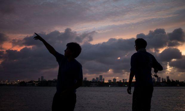 """Hurrikan """"Irma"""" wird bald auf die Miami Skyline treffen."""