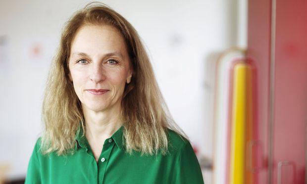 Frei, doch präzise. Bettina Hering vernetzt Frauenthemen in Salzburg.