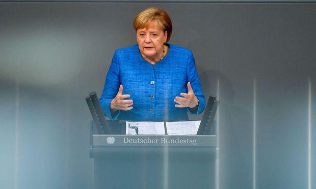 TOPSHOT-GERMANY-POLITICS-PARLIAMENT-BUDGET