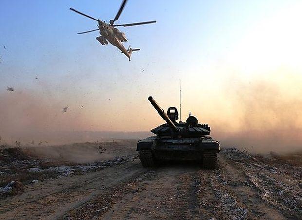 T-72B3 und Mi-28-Kampfhubschrauber