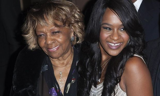 Cissy Houston Enkelin Bobbi Kristina Hat Gehirnschaden Erlitten