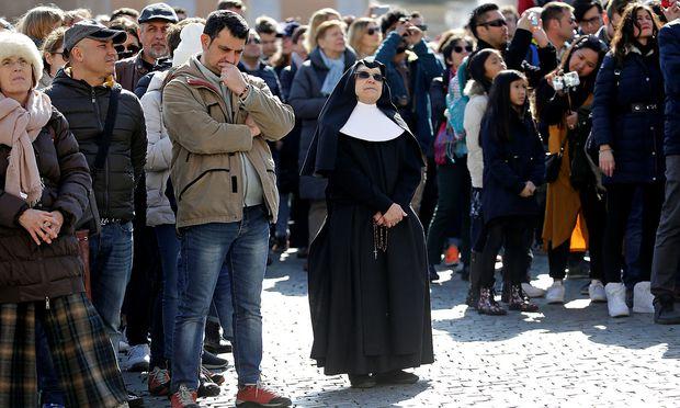 Viele Nonnen legen als Mitglieder religiöser Orden ein Armutsgelübde ab.