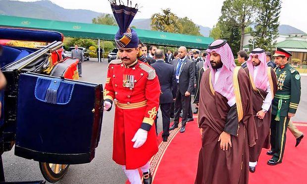 Pakistan fuhr für den saudischen Kronprinzen Mohammed bin Salman alles auf, was dem Protokoll zu Gebote stand.