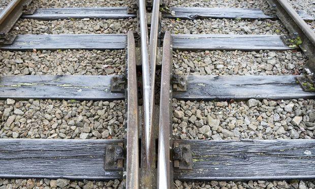 Themenbild: Zugfahrt