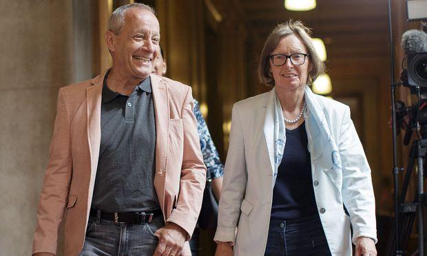 Peter Pilz und Gabriela Moser am Weg in den Eurofighter-U-Ausschuss