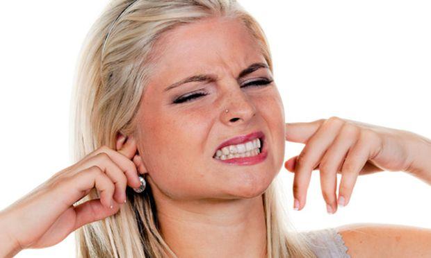 Warum Kratzgeraeusche Ohren schmerzen