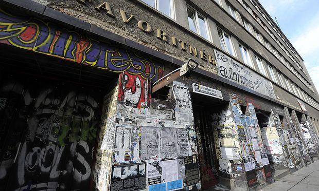 Das Ernst Kirchweger-Haus (EKH) in Wien-Favoriten, in dem die Räumlichkeiten des türkischen Migrantenvereins ATIGF untergebracht sind.