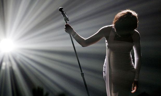 Whitney Houstons frühe Alben waren von einer Gelacktheit, die afroamerikanische Hörer abstieß.