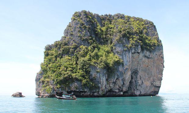 Zum Schorcheln in die Andamanensee schippern.