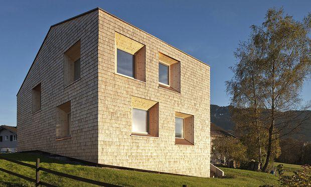 Architektur Laerchenholz Stroh Lehm