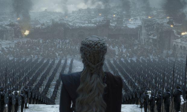 Daenerys Targaryen (Emilia Clarke) hatte immer schon eine brutale Seite. Kurz vor dem Ende der Serie hat sie nun eine Stadt niedergebrannt.