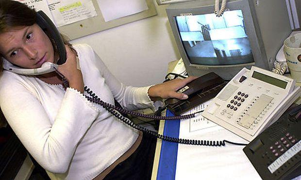 Nationalrat beschließt Einschränkungen für Telefonkeiler