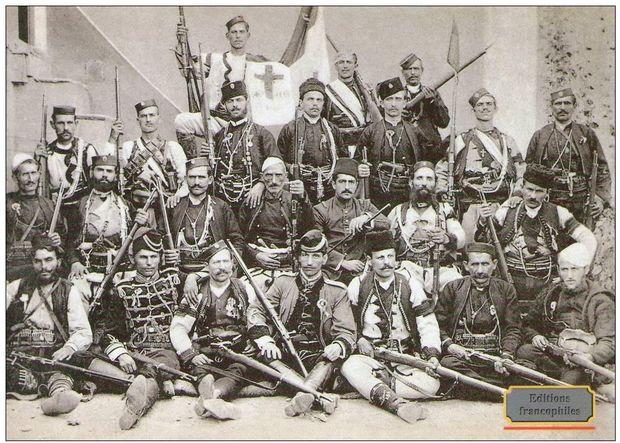 Jovan Babunski, Dritter vorne rechts, und Genossen