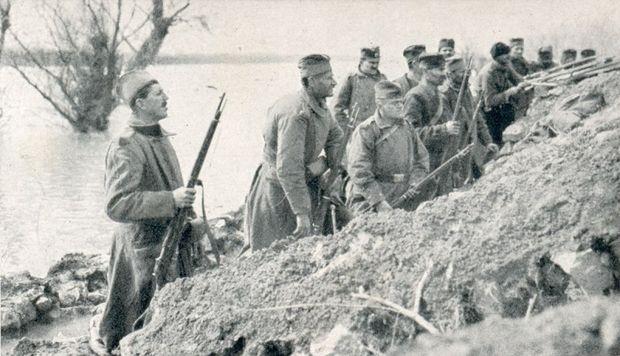 Serbische Soldaten bei Belgrad