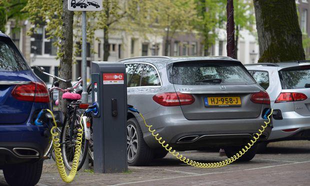 Elektroautos Amsterdam Niederlande Elektroautos Amsterdam Niederlande *** Electric cars Amsterdam