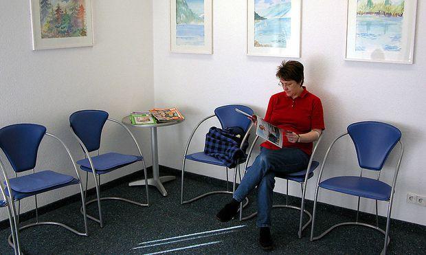 Symbolbild: Wartezimmer eines Arztes