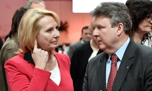 Nationalratspräsidentin Doris Bures und Wohnbaustadtrat Michael Ludwig / Bild: APA/HANS KLAUS TECHT