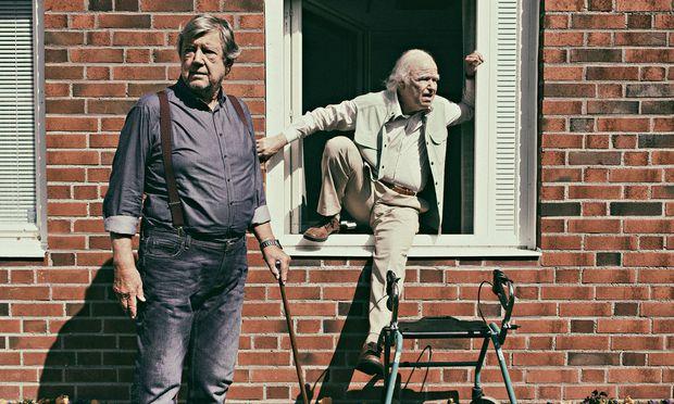 Seniorenkomödie. Robert Gustafsson (r.) als 101-jähriger Weltenbummler.
