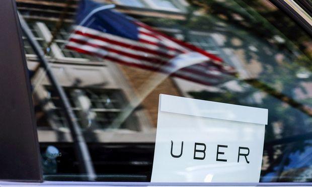 Ob sich Bitcoin als Zahlungsmittel durchsetzen wird und es Uber gelingt, die vielen Konkurrenten unter den Beförderungs- und Lieferdiensten auszustechen, steht in den Sternen.
