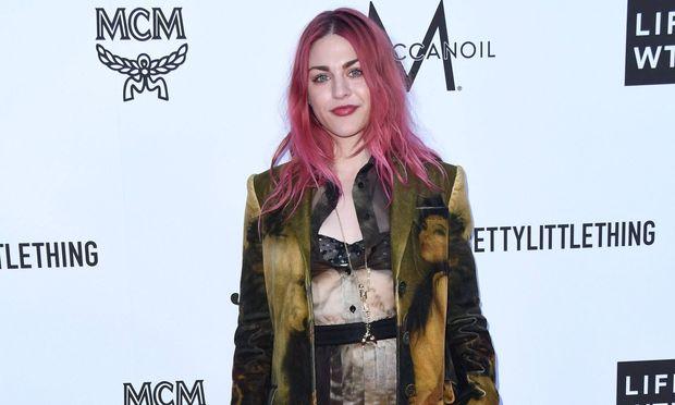 Gitarre von Kurt Cobain ging nach Scheidung an Ex-Mann seiner Tochter