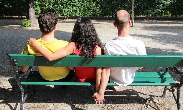 Polyamoröse Beziehungen waren lange kein öffentliches Thema und sind auch in der Forschung noch kaum ergründet.