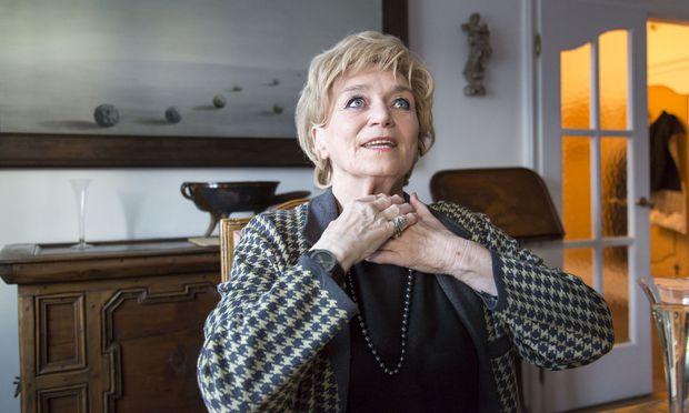 Ulli Fessl spielt Berta Zuckerkandl – und ist selbst eine charmante Gastgeberin.