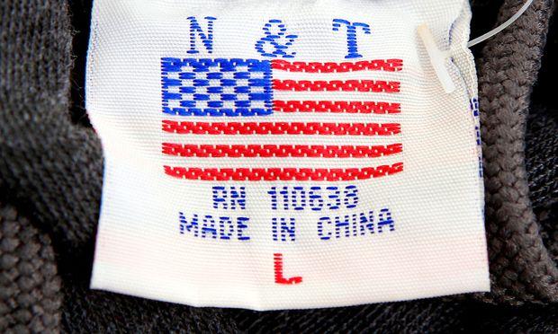 Drohender Handelskrieg - Trump setzt neue Zölle gegen China in Kraft
