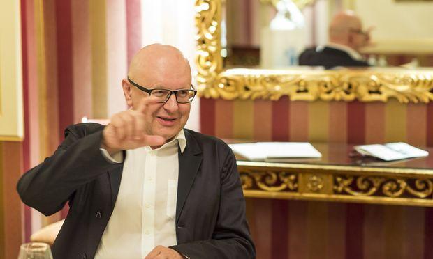 BWT-Chef Andreas Weißenbacher muss doch in die Tasche greifen.  / Bild: (c) Mirjam Reither