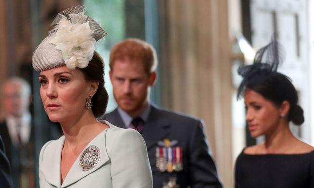 v.l.: Herzogin Catherine, Prinz Harry und Herzogin Meghan