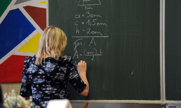 Lehrerdienstrecht Besoldung Vorrang fuer