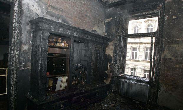 Bei einem Wohnungsbrand kann großer Schaden entstehen.