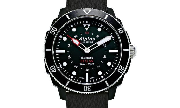 """Alpina, """"Seastrong Horological Smartwatch"""". Ein Hybridmodell, halb Smartwatch, halb Quarzuhr. Kommuniziert mit dem Smartphone, zeichnet Bewegungsdaten auf und informiert über Nachrichten und Termine."""