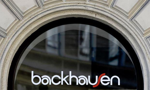 Backhausen geht Gruppe ExKanzler