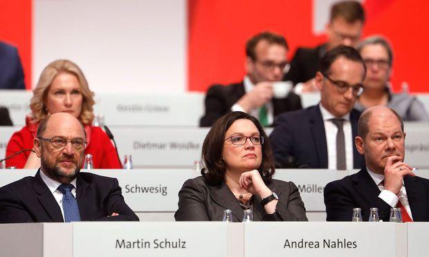 #Politik Rekordtief für die SPD - Partei fällt auf 16,0 Prozent