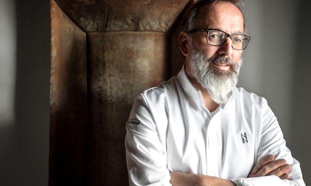 "Bergküche. Norbert Niederkofler kocht heute unter dem Motto ""Cook the Mountain""."
