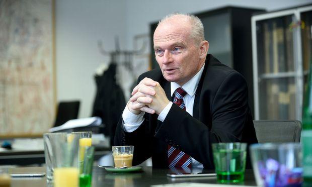Für Donau-Chef Peter Thirring wird die Digitalisierung zu stark gehypt. Den Kontakt zum Kunden will er nicht reduzieren.