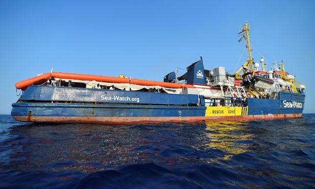 """Wende im Fall der 40 Migranten an Bord des Rettungsschiffes """"Sea-Watch 3"""""""
