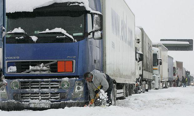 Das Verkehrsministerium setzt auf kurzfristige Maßnahmen und nicht auf ein generelles Verbot.