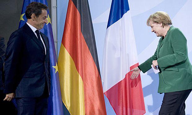 Frankreichs Präsident Sarkozy und die deutsche Kanzlerin Merkel nach dem Treffen.