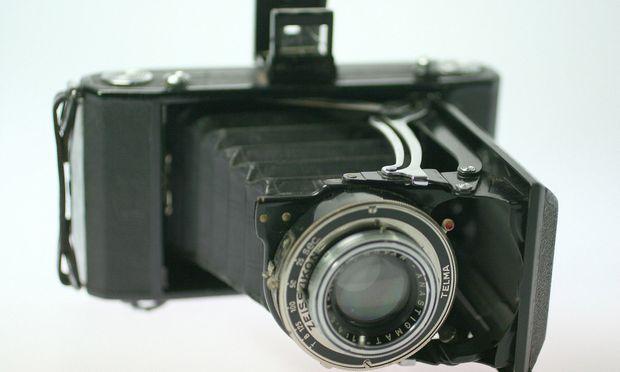 Alte Rollfilmkamera - old roll film camera